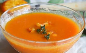 Velouté de carotte à la mandarine et au thym