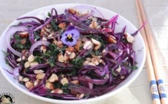 Salade de chou rouge aux noisettes