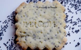 Biscuit aux graines de pavot et poudre d'écorce de combava, sans oeufs