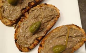 Crostini toscans avec pâté de foie de volaille