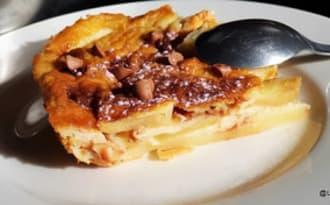 Flan aux pommes et pépites choco-caramel