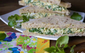 Club sandwich à l'anglaise, œuf et cresson