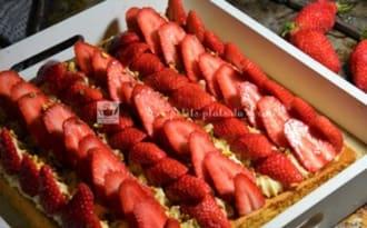 Tarte aux fraises façon sablé breton, crème pistache