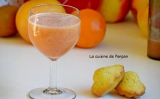 Jus d'orange, pamplemousse, kiwi et sirop d'amour
