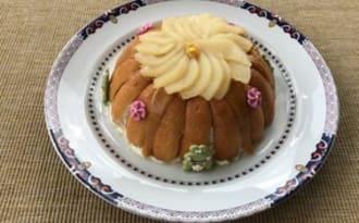Charlotte aux poires et au caramel