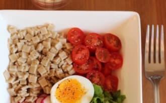 Salade de crozets et œuf mollet