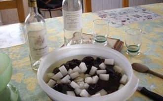 Pruneaux au Vin Blanc