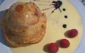 Douillon de poires à la gelée de cassis