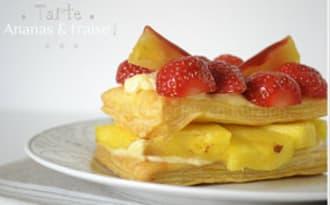 Tarte À L'ananas Et Aux Fraises