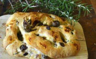 Fougasse du dimanche aux olives noires