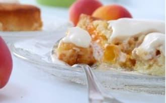 Gâteau d'abricots , sauce mousseline au caramel de miel