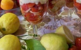 Verrine Malacucina aux fraises corses , brocciu et confiture de clémentine et noisette corse