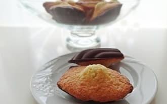 Madeleines coco, rhum & coque chocolat