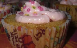 Cupacakes vanille coeur framboise