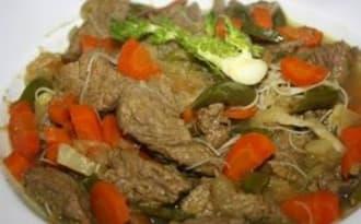 Wok de boeuf curry et légumes