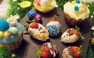 Cupcakes de Pâques et Fraises en habits de fêtes