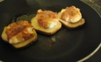 Toasts de chèvres bardés de lard