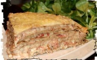 Gâteau de crêpes au jambon, champignons & emmental