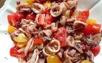 Poellée de chipirons, tomates cerises