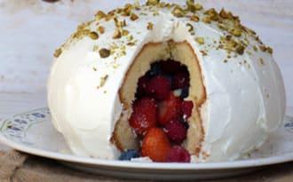 Gâteau pinata fruits rouges ou bonbons