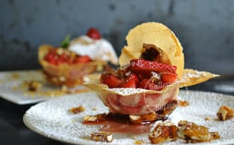 Tartare de fraises croustillantes en coque de brick
