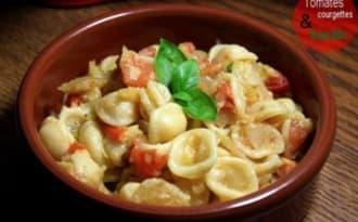 Orechiette aux courgettes, tomates & basilic