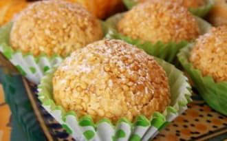 Boules aux cacahuètes graines de sésames