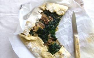 Quiche rustique complète aux épinards, champignons et quatre épices