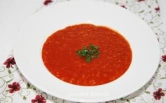 Soupe de tomate et flocons d'avoine