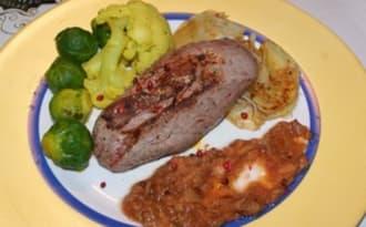 Filet de chevreuil, compote de coing et raisin