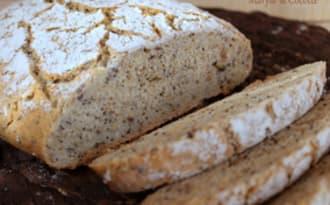 Pain au Sarrasin aux Graines cuit en Cocotte