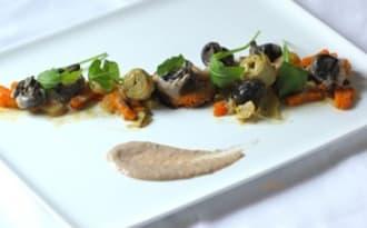 Escargots en barigoule, royale de potiron et crème de champignons