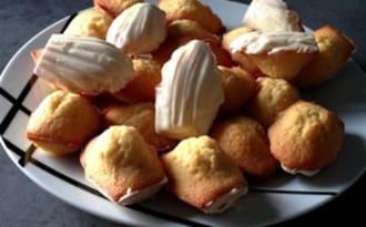 Madeleines à la vanille, coque de chocolat blanc