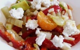 Salade très colorée : fenouils, poivrons, chorizo et chèvre
