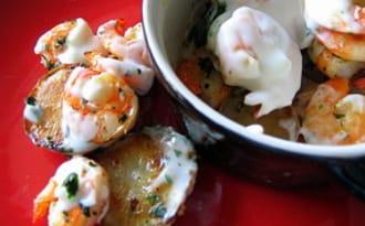 Crevettes et topinambours en cocotte
