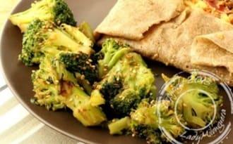 Brocolis sautés, sauce soja et sésame
