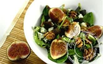 Salade aux figues, noix et Roquefort