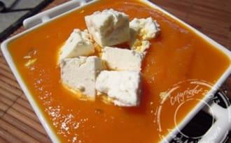Velouté glacé carottes et orange aux dès de féta