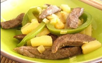Sauté de boeuf au poivron et à l'ananas