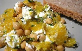 Salade de pois chiches à l'orange et chèvre frais