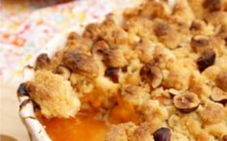 Crumble abricot noisettes