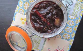 Chutney de prunes aux épices