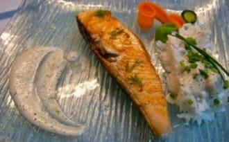 Pavés de saumon à la plancha, sauce au vin jaune