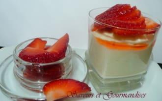 Crème-chocolat citronnée aux fraises.