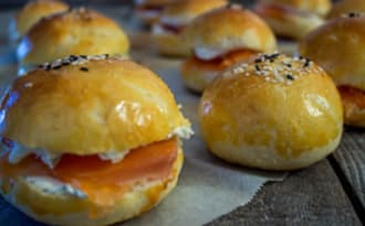 Minis hamburgers saumon, aneth, cream cheese