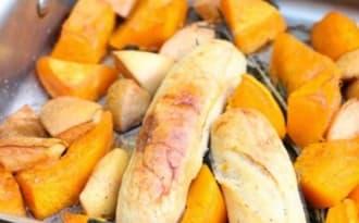 Courge, coings et boudins rôtis au four à la sauge