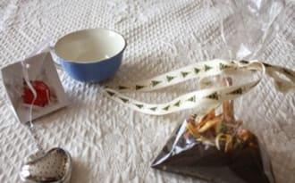 Thé de Noël aux épices et aux zestes d'agrumes