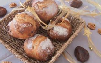 Le petit pain à la figue et à la noix