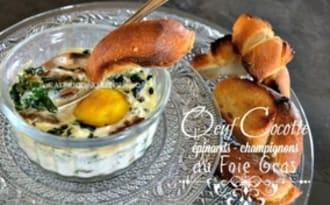 Oeuf cocotte au foie gras, épinards et champignons