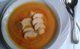 Crème carotte et potiron au safran et aux quenelles